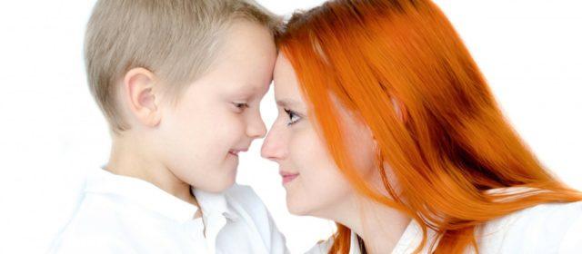 I neuroni specchio. Dallo sguardo tra madre e figlio nascono le emozioni